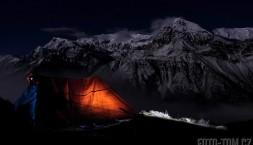 Himaláje - noční pohled na masív Annapurny