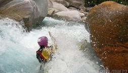 Řeka Verzasca ve Švýcarsku