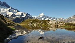Mount Cook v odraze jezera
