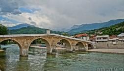 Historický most přes Neretvu, Konjic, Bosna