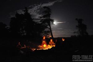 Nový Zéland, štědrovečerní bubnování za úplňku