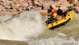 Šembi s posádkou v akci, Horn creek rapid