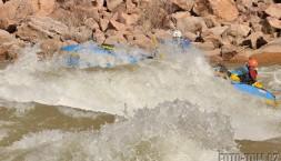 Matěj se zásobovacím raftem v akci, Horn creek rapid