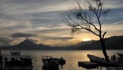 Jezero Atitlan, Panajachel, série kýčů ze západu slunce