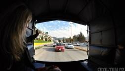 Mexická hromadná doprava kolektívo s luxusním výhledem zpět