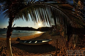 Puerto Angel, západ slunce na pláži