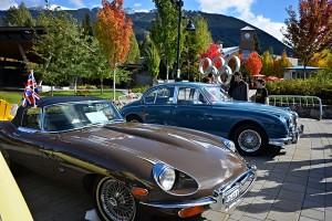13/365 Dnes se ve Whistleru sjela pěkná partička všemožných luxusních veteránů, nejvíc bylo asi Jaguárů. Nám se nejvíc líbil tenhle, měl i krásně vyladěný interiér (i když uznávám, že ta barva by mohla být jiná no..) Bezva pokoukání, v kombinaci s parádně barevným podzimem to hezky ladilo.